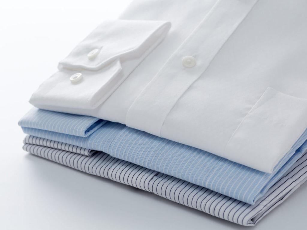 ワイシャツはクリーニングがおすすめ!クリーニングのメリットと保管方法