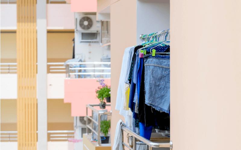 雨に濡れた洗濯物は菌がいっぱい