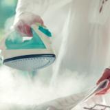 人気スチームアイロン10選!衣類のシワや消臭効果と種類別にみる特徴