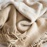 洗濯機で毛布を洗う方法!メーカー別で違う専用コース搭載洗濯機の特徴とは?