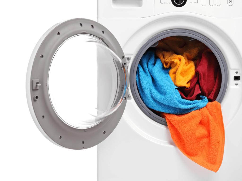 ドラム式洗濯機の嫌な臭いの原因は?掃除方法と3つの対策法で清潔に