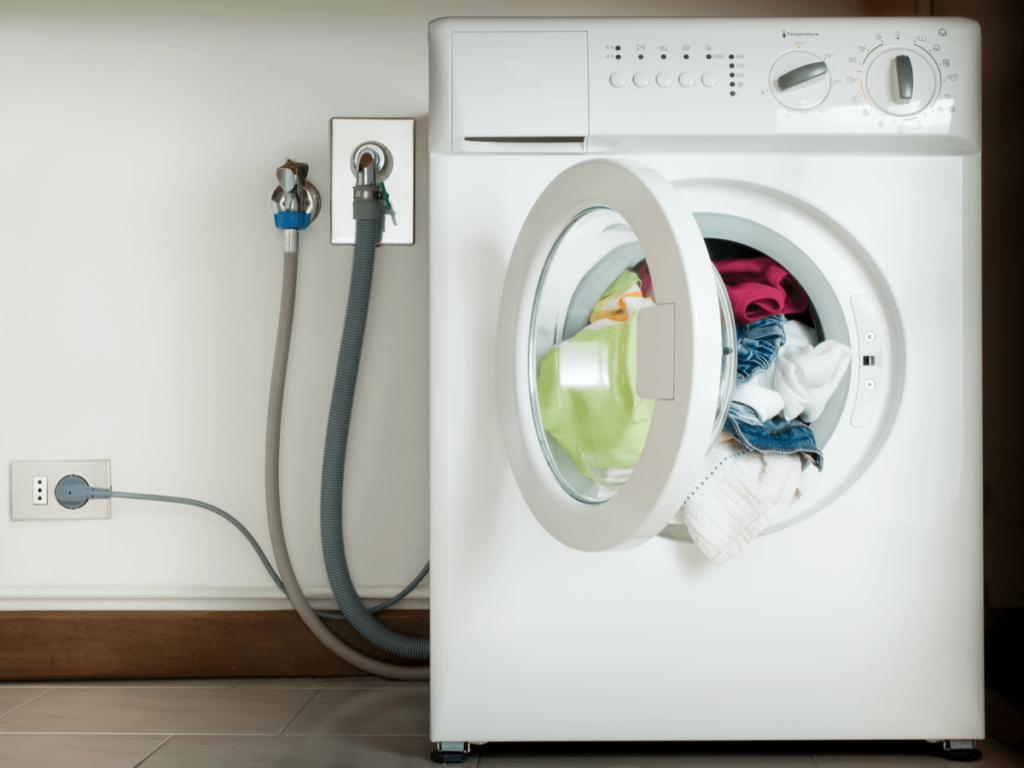 洗濯機の排水ホースに最適な交換時期と5ステップの簡単な方法!これであなたも業者いらず