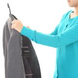 スーツにカビが生えてしまった原因と落とし方をチェック!自宅でできる対策法も伝授