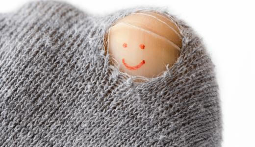 靴下の穴の補修には糸がおすすめ!シールで簡単に直す方法もご紹介
