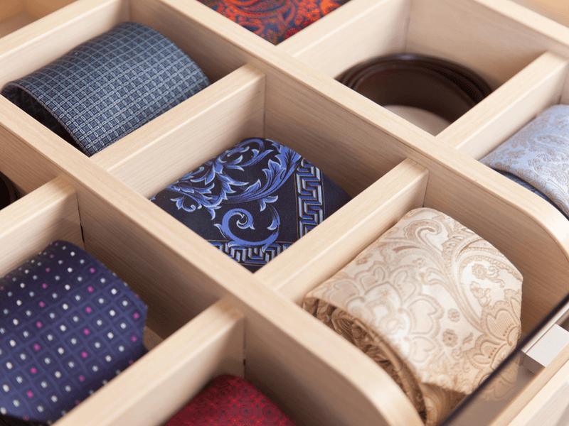 ネクタイの収納方法3:くるくる丸める