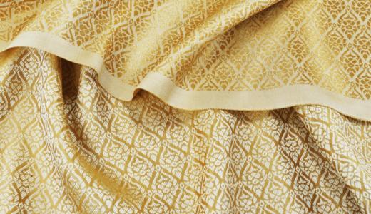 シルクをきれいにアイロンがけしてより美しく!適正温度やコツ・失敗してしまったときの対処法
