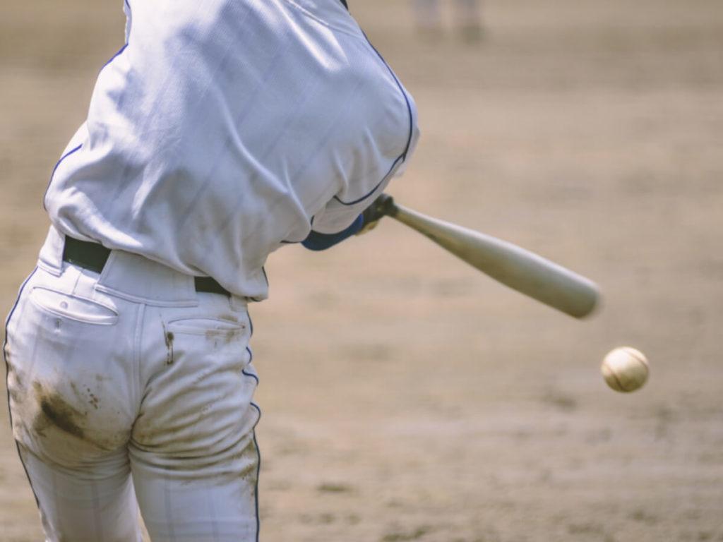 野球ユニフォームの泥汚れを落とす洗濯方法!靴下や帽子もまとめてきれい!
