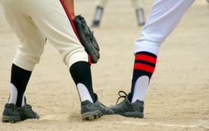 野球のユニフォームの泥汚れを落とす方法