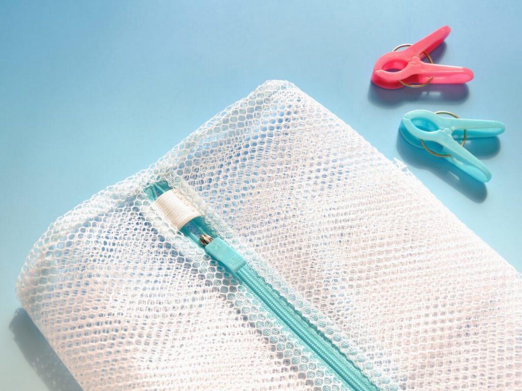 かさばる洗濯ネットをおしゃれに収納する方法とは!?おすすめアイテム6選もチェック