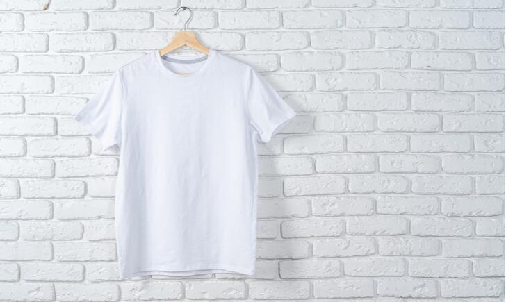 生地に注目してそもそも襟・首元がよれないTシャツを買うのも◎!