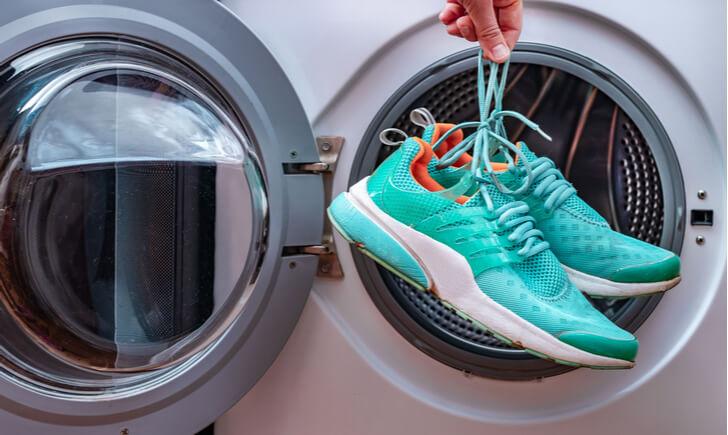 自宅で靴を洗えるおすすめ靴洗濯機と使い方