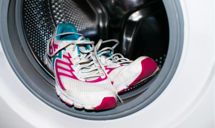 洗濯機やコインランドリーを使って靴をキレイにしよう