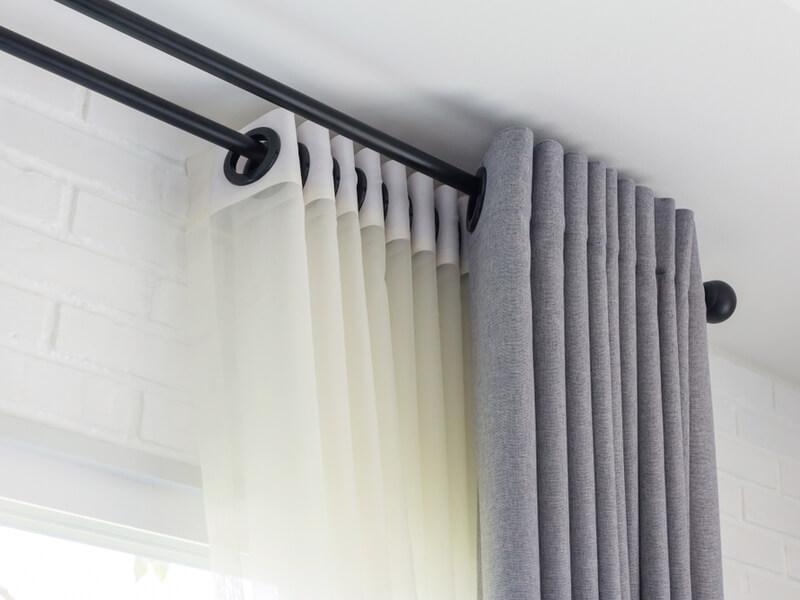 カーテンはなぜ汚れるの?その原因と洗濯する頻度