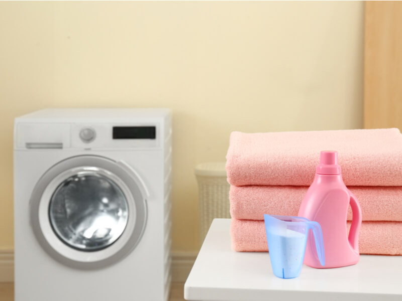 洗剤と柔軟剤を間違えないように気をつけて洗濯しよう