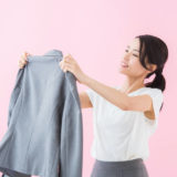 【洗濯研究家監修】素材別!自宅でジャケットを洗う方法とコツを一挙公開!