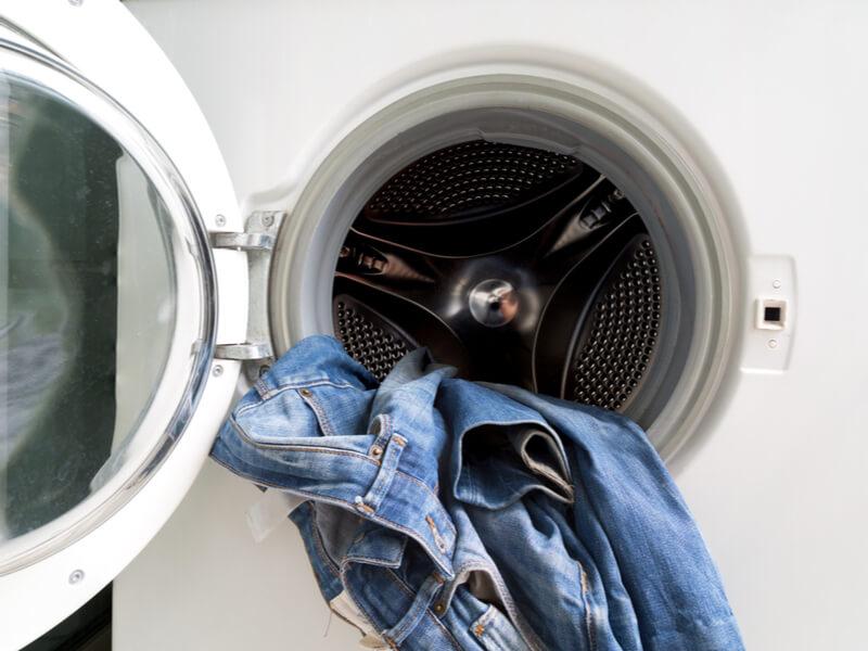ジーンズを長持ちさせる洗い方(洗濯機)