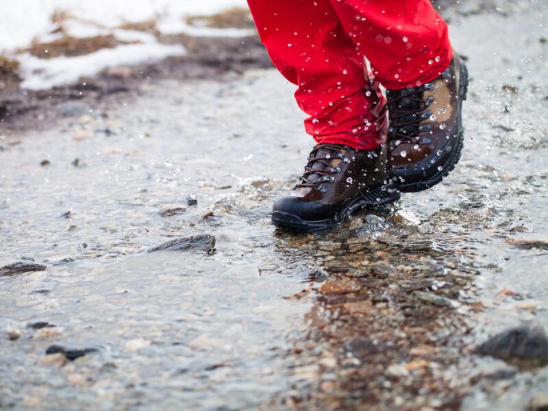 濡れた靴をそのままにしておくとどうなる?