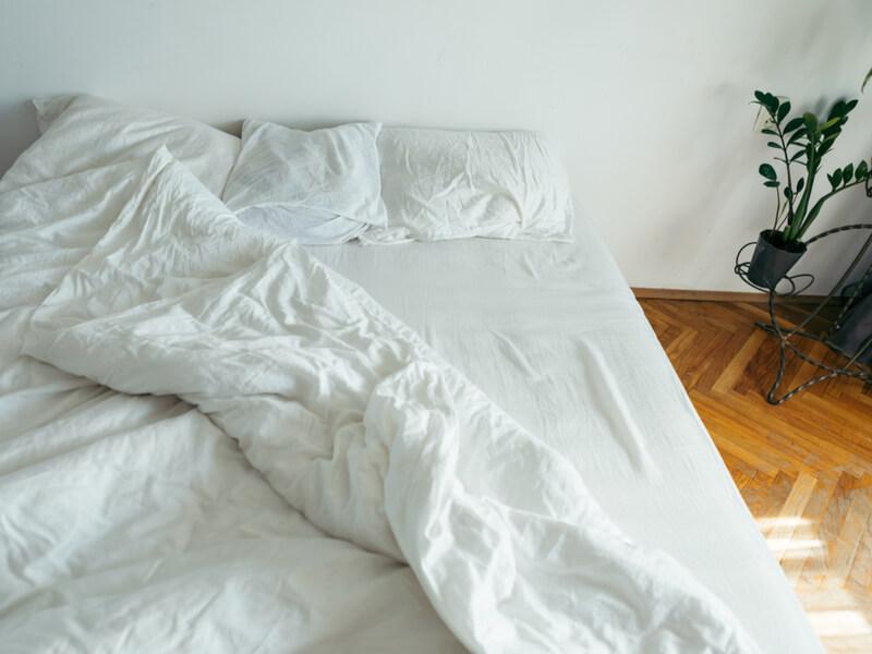 起床後のベッド