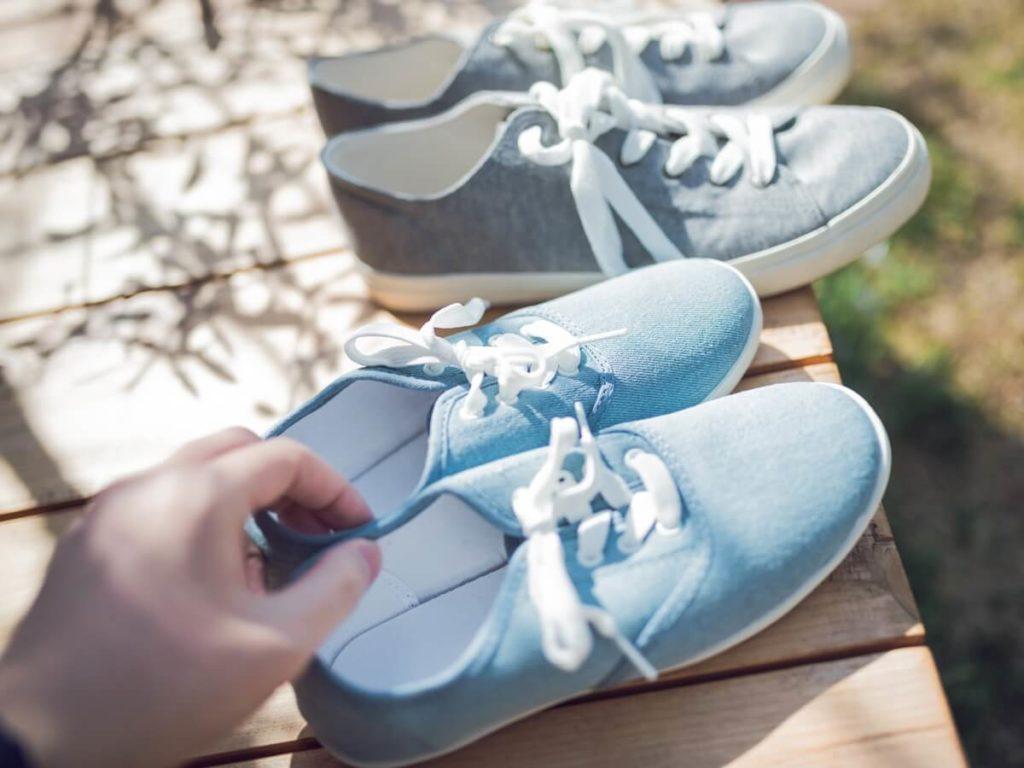 放置せずにすぐ乾燥!靴の干し方8選・便利グッズをご紹介