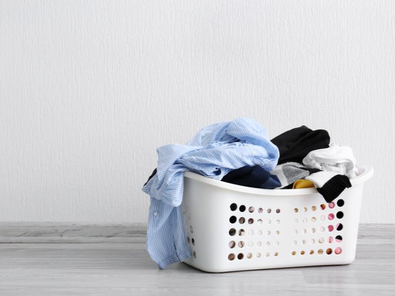 乱雑に置かれた洗濯物