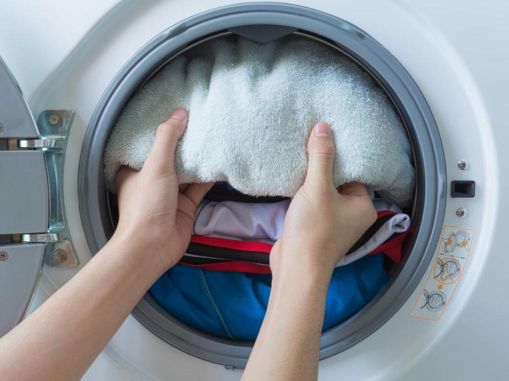 乾燥機能付き洗濯機が乾かないときの原因と解消法!