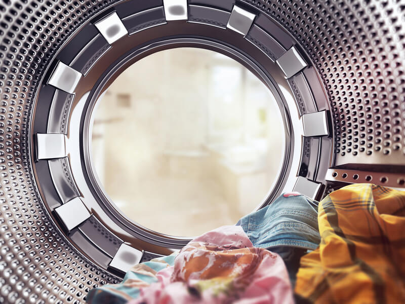 洗濯槽に入った洗濯物