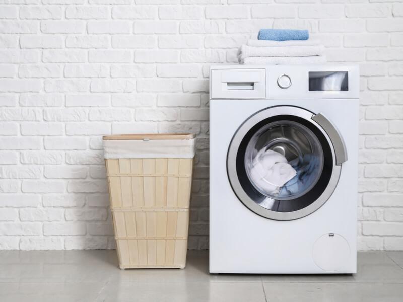 白い洗濯機 洗濯かご