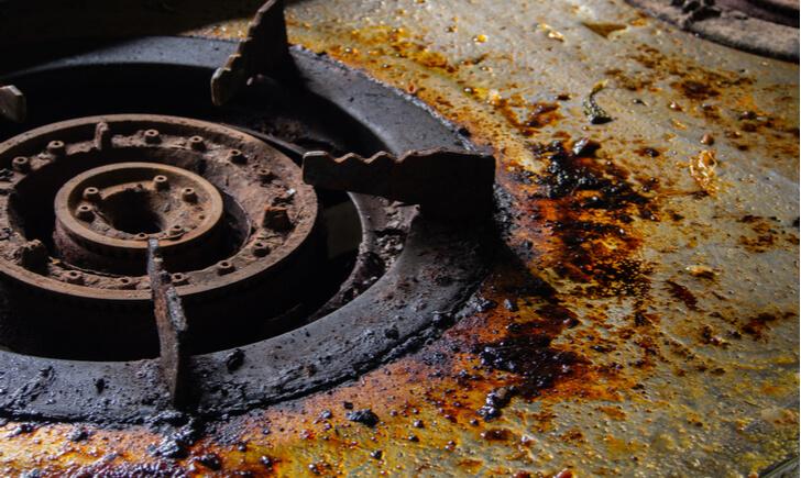 キッチンの油汚れが落ちにくい理由