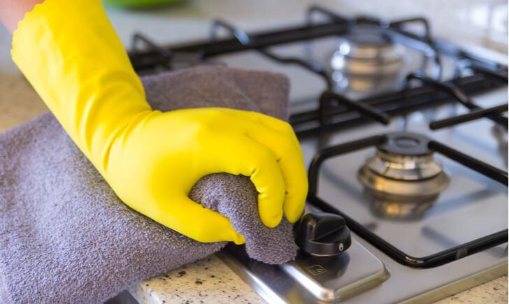 キッチンの油汚れの落とし方
