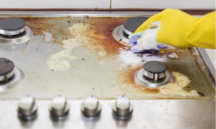 キッチンの油汚れの掃除方法