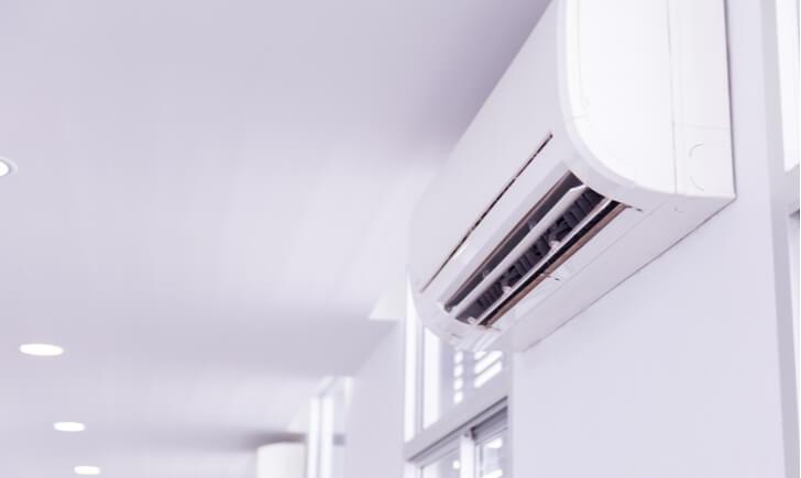 エアコンのカビ臭さ・カビの発生を防ぐ方法