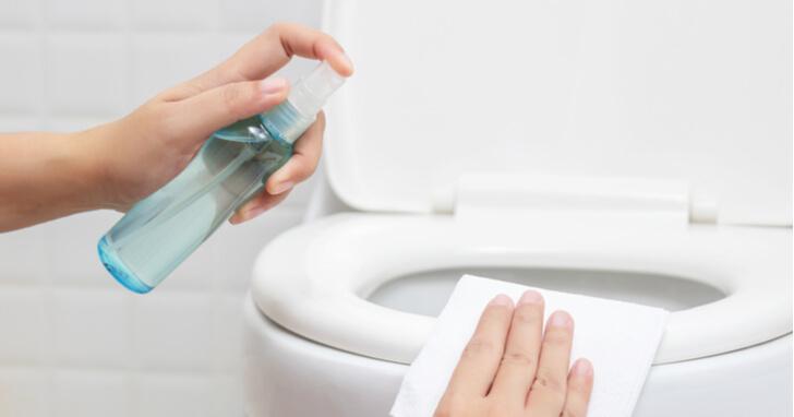 セスキ炭酸ソーダスプレーでトイレ掃除