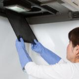 【2021年最新】換気扇フィルター掃除の厳選おすすめグッズ12選!洗剤別の掃除方法と注意点も解説