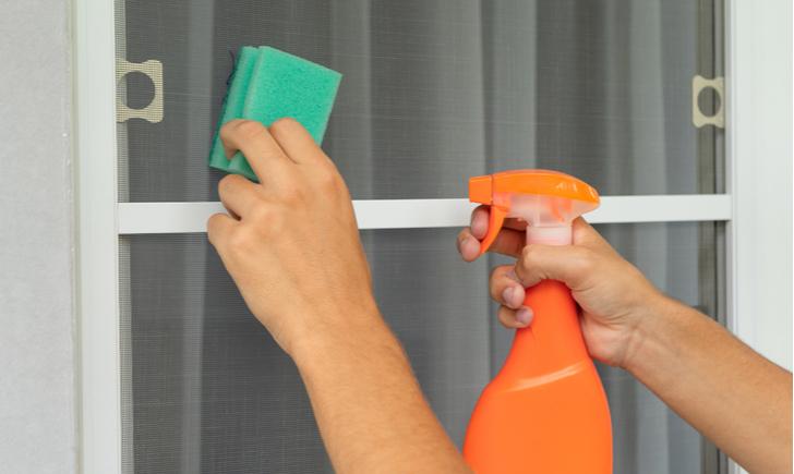 網戸を簡単に掃除できるおすすめアイテム12選