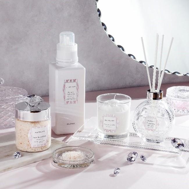 『ジルスチュアート』から「ホワイトフローラルの香り」が楽しめる新商品が4種類登場!