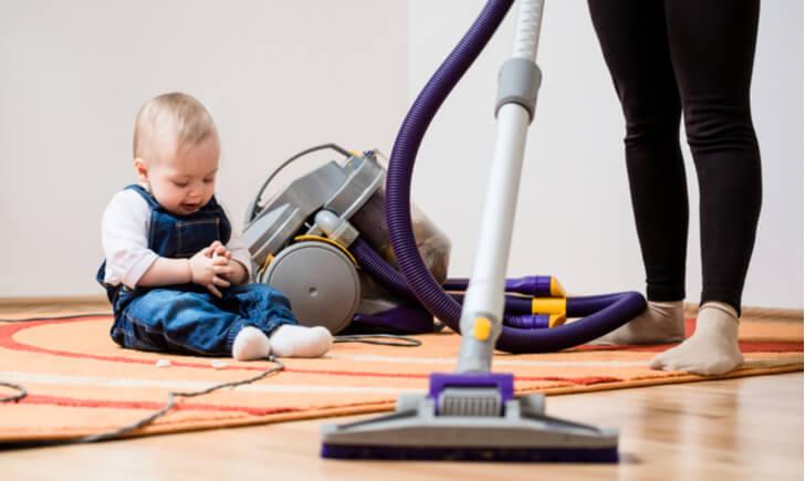赤ちゃんがいる家庭で使用する掃除機の選び方